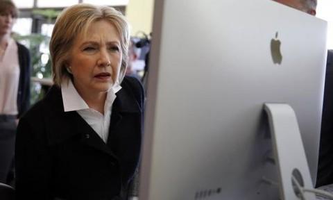 Mạng máy tính phục vụ chiến dịch tranh cửa của bà Clinton bị tấn công