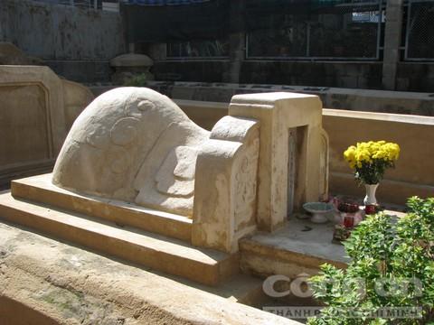 Phần mộ tiền hiền Tạ Dương Minh hình voi phục