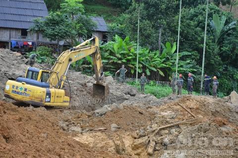 Hiện trường vụ sạt lở kinh hoàng tại thôn Khanh, xã Phú Cường, huyện Tân Lạc, tỉnh Hòa Bình