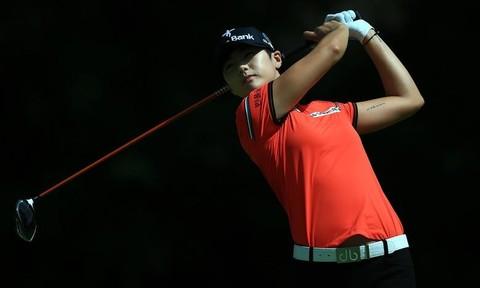 Thần tượng mới của các tay golf nữ thế giới
