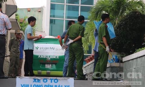 Cơ quan công an đang khám nghiệm hiện trường vụ án- Ảnh: Thiên Long