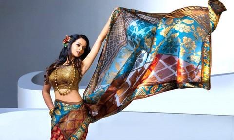 Nhà sản xuất phim cho rằng nữ diễn viên Ấn Độ không bị cưỡng hiếp?