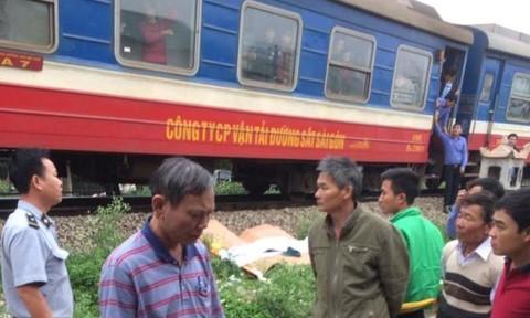 Cố vượt qua đường sắt, người đàn ông bị tàu tông tử vong