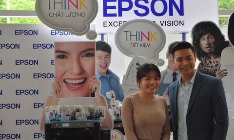 Ca sĩ Lân Nhã xuất hiện trong triển lãm giới thiệu sản phẩm của Epson