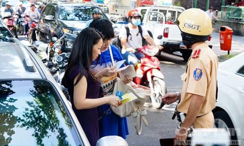 Xe thế chấp ngân hàng được dùng bản sao giấy đăng ký tham gia giao thông