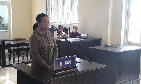 Bị cáo Trần Thị Mỹ Phương tại tòa.