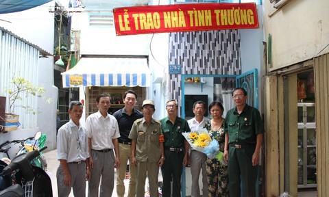 Trao nhà tình thương cho gia đình cựu chiến binh
