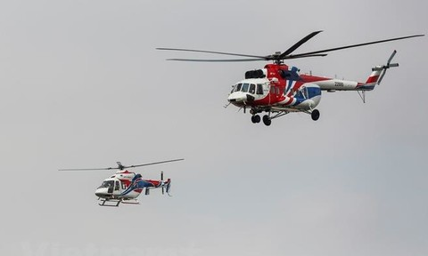 Màn trình diễn của hai trực thăng Nga trên bầu trời Hà Nội
