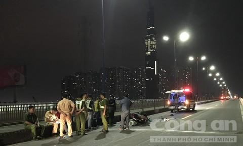 Tai nạn trên cầu Sài Gòn, nam thanh niên chết thảm