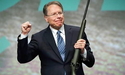 Nhiều công ty 'quay lưng' với Hiệp hội súng trường Mỹ