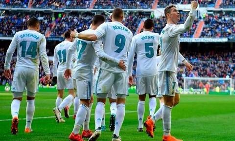 Ronaldo tiếp tục tỏa sáng, Real thắng đậm Alaves