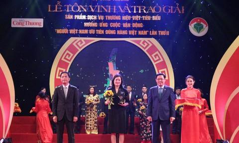 VietinBank được tôn vinh Top 10 Doanh nghiệp có dịch vụ thương hiệu Việt xuất sắc