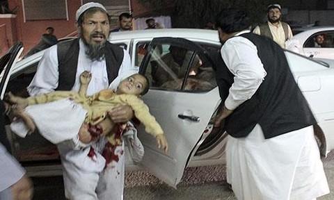 Đánh bom xe tại Afghanistan khiến 14 người chết