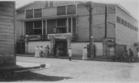 Ngày này 99 năm trước: 150 người chết trong vụ cháy nhà hát Yaguez