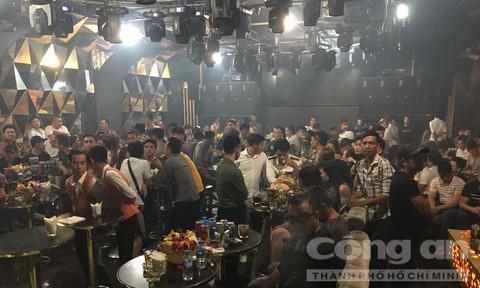 Gần 180 dân chơi nghi phê ma túy trong quán bar ở Sài Gòn