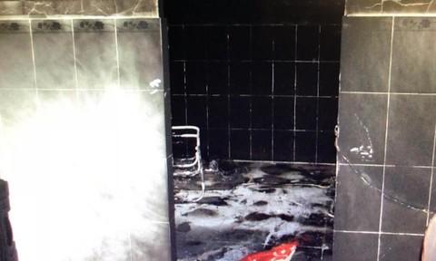 Vụ xách hai xô xăng đốt nhà người tình: Nạn nhân bỏng nặng đã tử vong