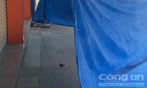 Náo loạn vì lựu đạn giả nằm trước đại lý xe máy