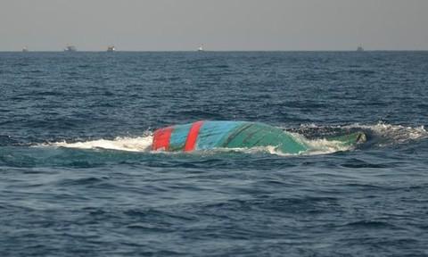 Xác minh thông tin tàu cá cùng 10 ngư dân bị chìm nhiều ngày