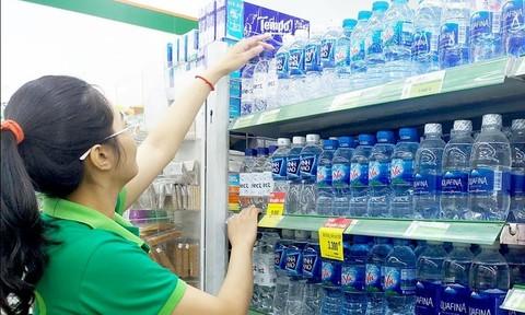 Saigon Co.op huy động nước đóng chai phục vụ người dân Hà Nội