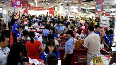 Co.opmart tại Hà Nội khuyến mãi lớn thu hút hàng trăm ngàn lượt khách hàng