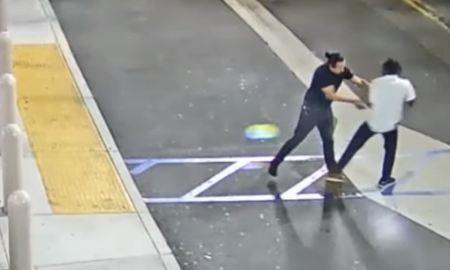 Clip kẻ cướp tấn công nhân viên để lấy 2 chiếc iPhone 11