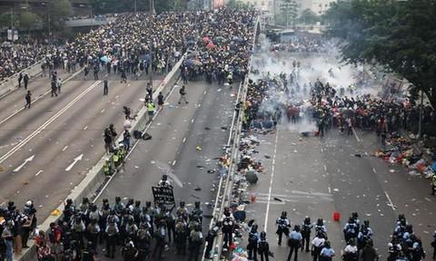 40 sinh viên, nghiên cứu sinh người Việt rời Hồng Kông an toàn