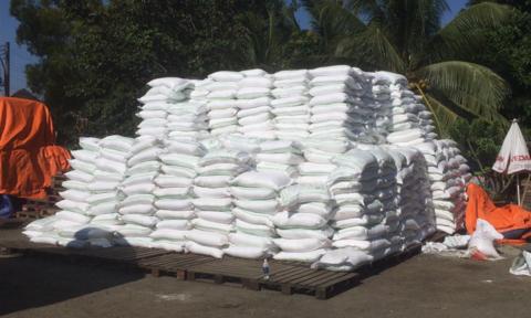 Phá đường dây buôn lậu 1.000 tấn đường cát từ Campuchia về Việt Nam
