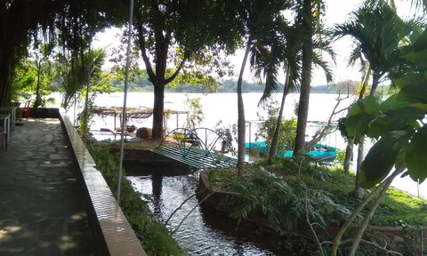 """Đua nhau """"xà xẻo"""" hồ ở trung tâm thành phố Đồng Xoài"""