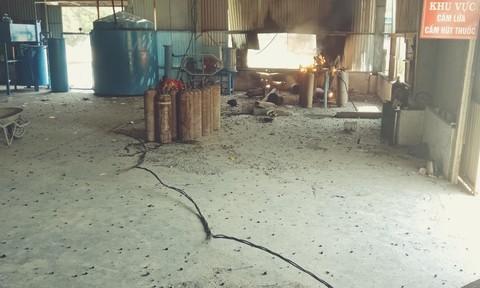 Nổ gas trong lúc sang chiết, 3 công nhân bị thương