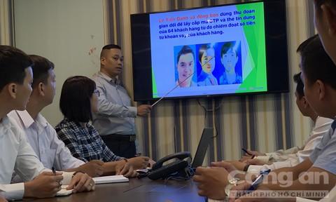 Trung tâm an ninh của công ty tài chính Fe Credit phân tích thủ đoạn phạm tội của một nhóm đối tượng