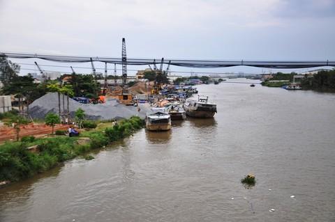 """Sông Chợ Đệm - Bình Điền, nơi băng """"thủy quái"""" hoạt động"""
