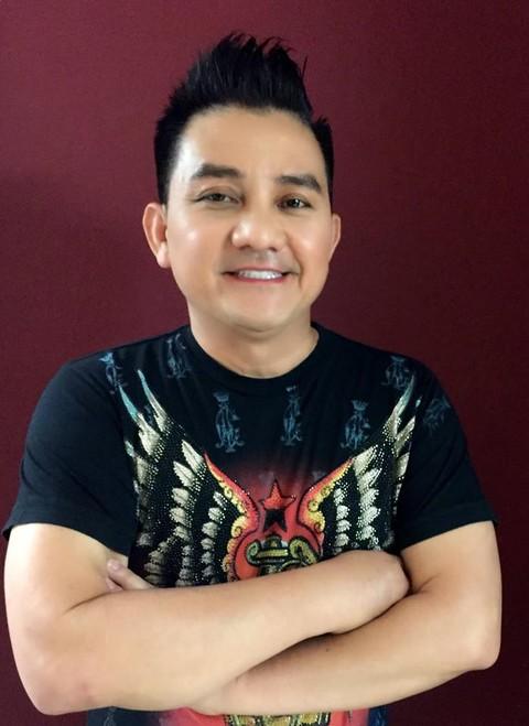 Nghệ sĩ hài Anh Vũ trong chuyến lưu diễn tại Mỹ