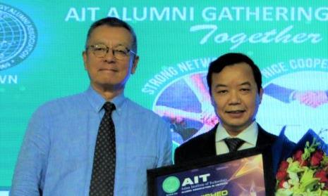 Người Việt đầu tiên nhận giải 'Tận tâm cống hiến vì cộng đồng'