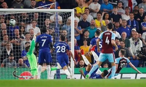 Chỉ giành được 1 điểm, Chelsea vẫn chiếm vị trí thứ 4