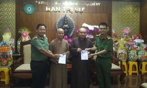 Trao thẻ căn cước cho các tu sĩ Phật giáo