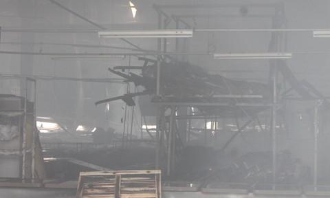Công ty gỗ trong KCN Tam Phước cháy lớn