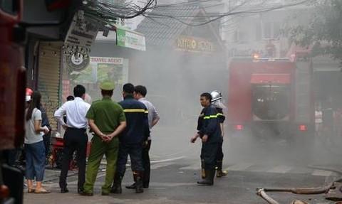 Cháy khách sạn, 25 du khách được cứu