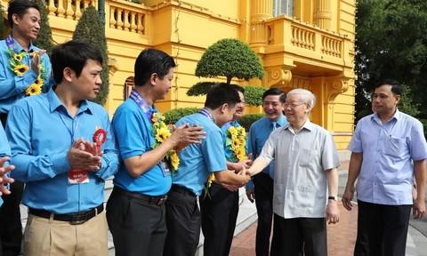 Tổng Bí thư, Chủ tịch nước gặp mặt cán bộ công đoàn tiêu biểu