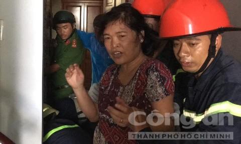 Cứu bé trai 8 tháng tuổi kẹt trong thang máy ở Sài Gòn