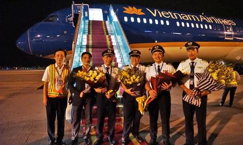 Cận cảnh siêu máy bay Boeing 787-10 Dreamliner của Vietnam Airlines