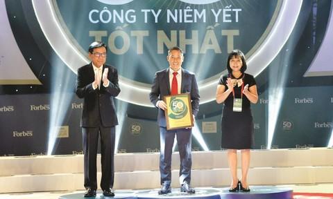 Đất Xanh được vinh danh Top 50 công ty niêm yết tốt nhất Việt Nam