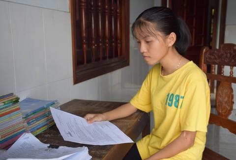 Ước mơ vào giảng đường của cô gái nghèo xứ Quảng