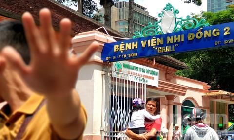 """Những """"góc khuất"""" tại Bệnh viện Nhi Đồng 2"""