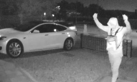 Clip siêu trộm đánh cắp xe hơi trong 30 giây