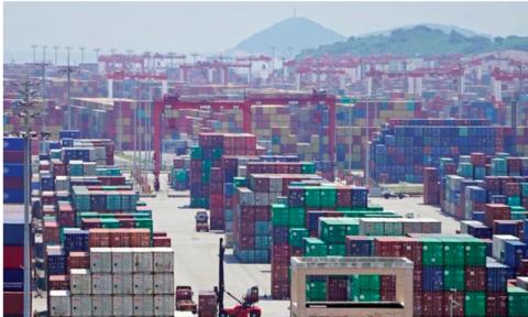 """Trump """"nổi xung"""", tăng thêm 5% thuế lên hàng hoá Trung Quốc"""