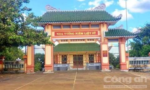 Vụ trục lợi tiền đền bù nghĩa trang: Chủ tịch huyện bị cảnh cáo