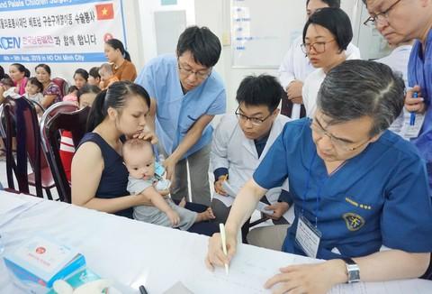 36 trẻ em được phẫu thuật nha khoa miễn phí