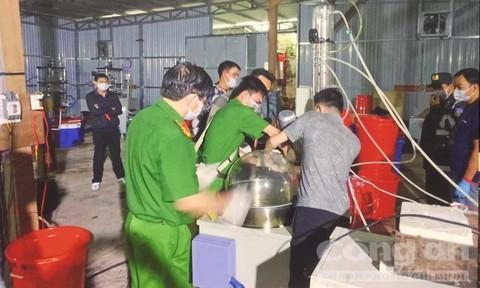 Thu giữ gần 30 tấn hóa chất, tiền chất và ma túy thành phẩm