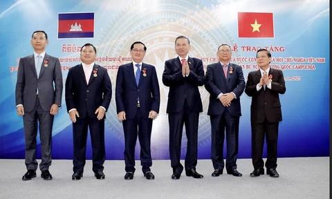 Bộ Công an Việt Nam và Bộ Nội vụ Campuchia ký kết hợp tác năm 2020