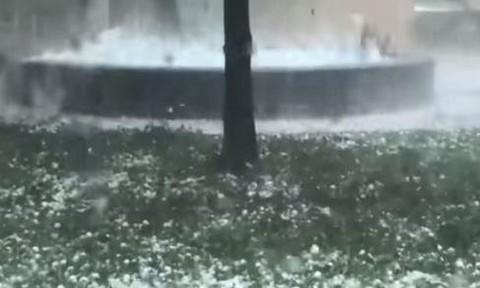 Clip mưa đá bằng quả bóng golf xuất hiện tại Úc